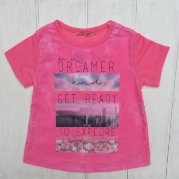 Розовая модная футболка