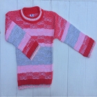 Яркий красный свитер